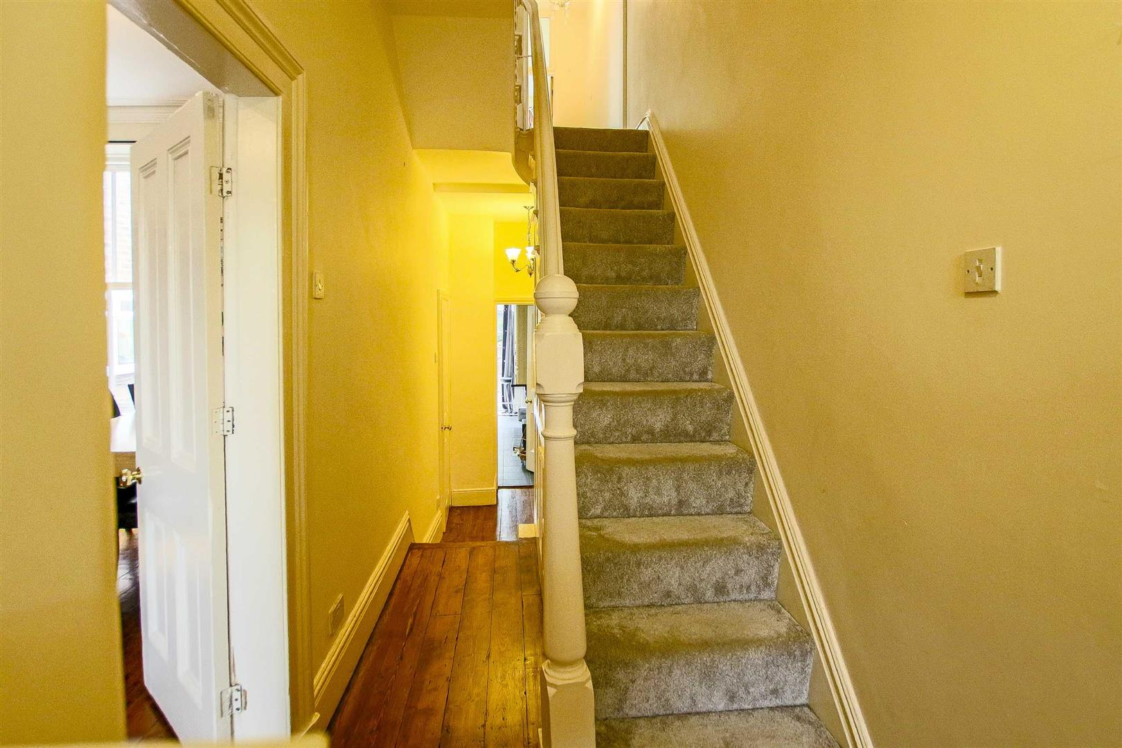 5 Bedroom Terraced House For Sale - Image 23